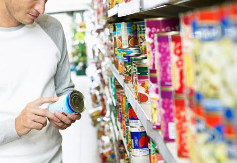 Come i produttori alimentari prendono in giro i consumatori con ingannevoli elenchi di ingredienti.Come non farsi ingannare