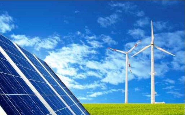 Mentre gli altri paesi puntano sulle energie rinnovabili, il governo italiano emana leggi per ostacolarle.Ecco quali