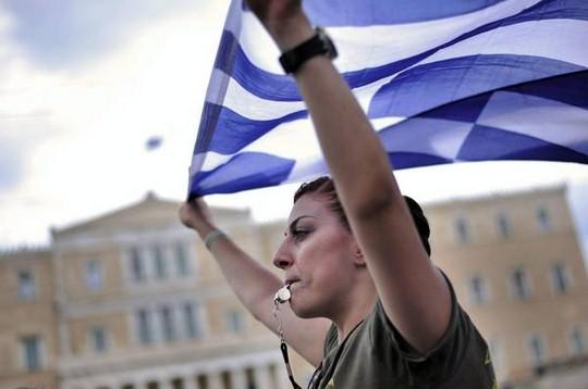 ATTENZIONE!I media denigrano la Grecia per scoraggiarci,ma la realtà è che i greci ora sono LIBERI!