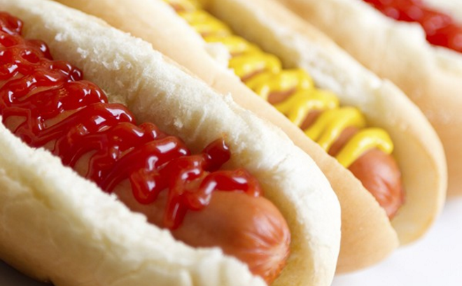 Hot dog e alimenti da Fast food contenenti DNA UMANO. Ecco cosa ci fanno mangiare! Leggi
