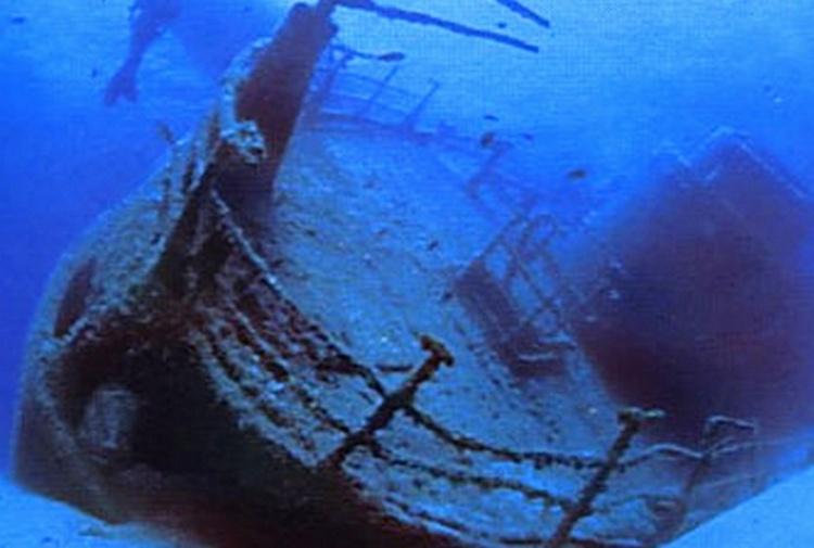 Affondate 90 navi piene di rifiuti tossici nel Mediterraneo
