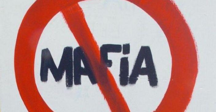 LA MAFIA COMANDA!Si fingono Mafiosi e chiedono il pizzo!ECCO COSA ACCADE.VIDEO