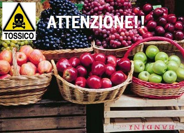 Attenzione: oltre 12 pesticidi utilizzati nei meleti! NOI NE MANGIAMO I FRUTTI. La denuncia di Greenpeace