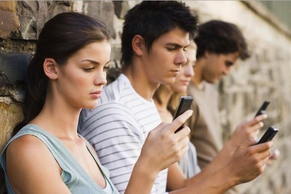 Sei dipendente dal tuo smartphone?Scoprilo con questo semplice test