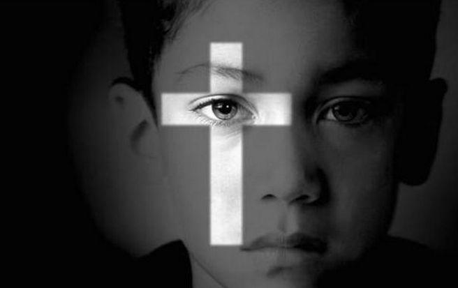"""Onu accusa il Vaticano: """"hanno permesso e taciuto migliaia di abusi su bambini"""""""