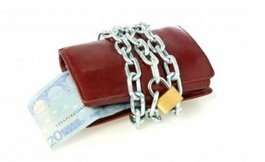 Andiamo sempre più velocemente verso l'abolizione totale del denaro contante,ma nessuno ve lo dice...