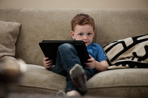 I bambini della materna sanno usare il tablet ma non le costruzioni.Problemi anche nella socializzazione