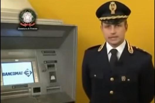 """Clonazione carte di credito.La polizia avvisa:""""fate attenzione al bancomat"""""""