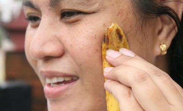 Ecco i mille usi della buccia di banana:salute,trattamenti di bellezza,pulizie domestiche ecc