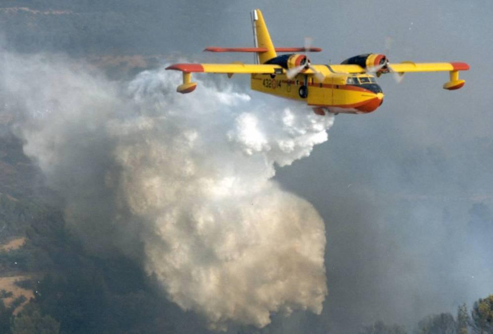 Incendi provocati? Canadair ed elicotteri antincendio sono gestiti da privati!
