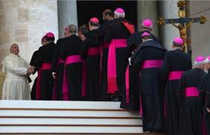 Cardinali milionari:terreni,ville,denaro.Tutte le ricchezze del clero