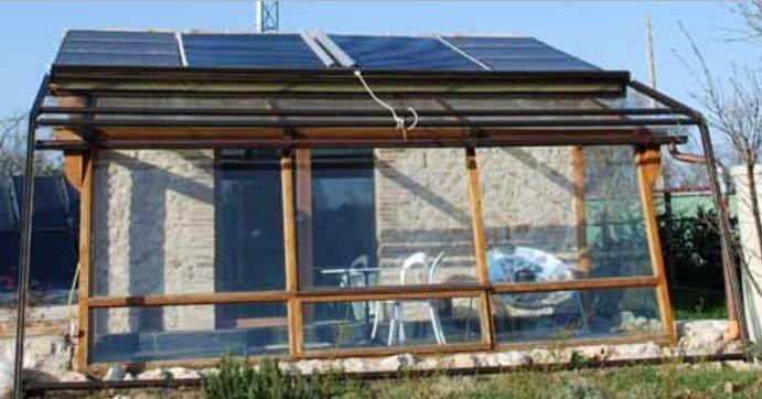 Casa energeticamente autosufficiente senza bollette ne contatori. Video