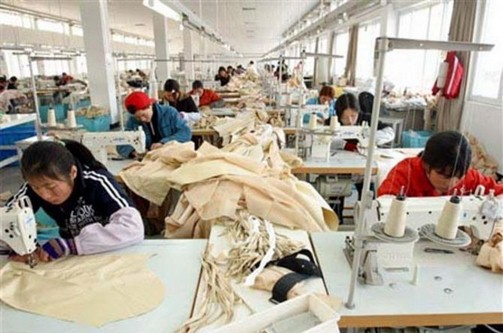 I cinesi in Italia diventano immortali. Le salme spariscono e i documenti si riciclano