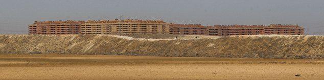 Ecco perchè la Cina sta costruendo città fantasma in Africa.Video