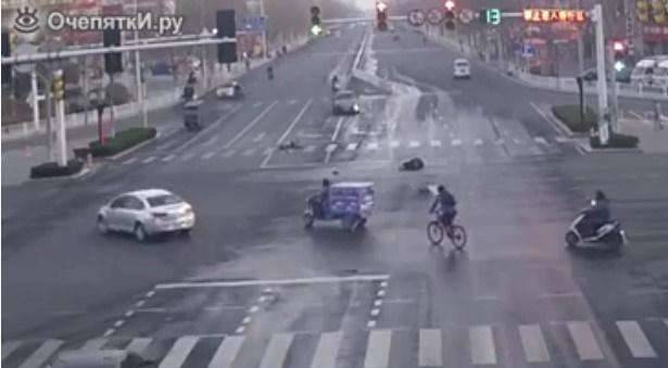 La compassione non è di casa in Cina.Il VIDEO SHOCK che fa rabbrividire!