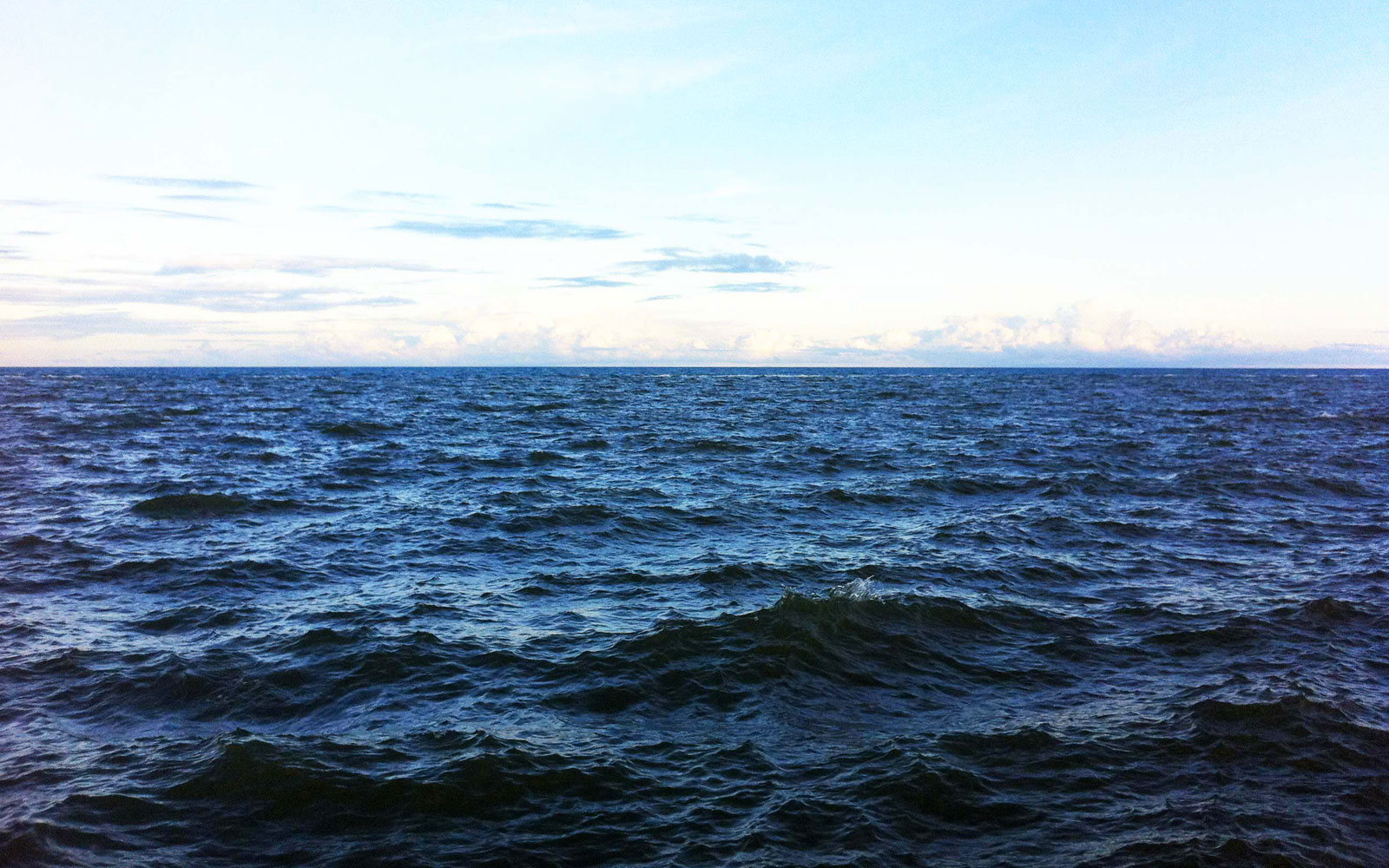 Acqua potabile infinita gratis per tutti depurando e desalinizzando l'acqua di mare.La grande scoperta