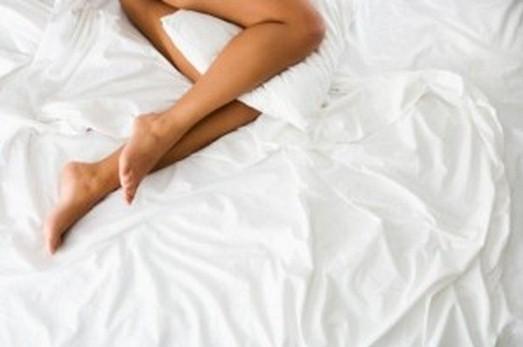 Lo sapevi che dormire nudi fa bene anche all'organismo?Ecco i motivi
