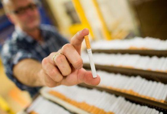 Verso un'estate senza sigarette,i gestori sciopereranno in tutta Italia.Ecco il perchè