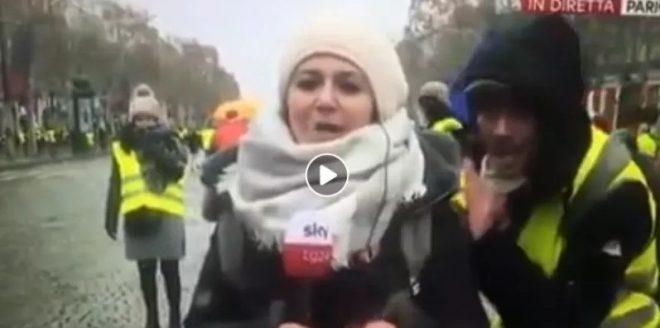 """""""Svegliatevi italiani siete delle pecore"""". I gilet gialli ci deridono su Sky tg24"""