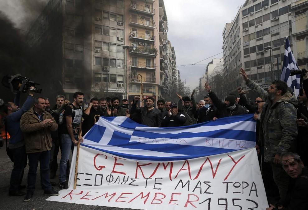 La Grecia deve cedere oro e patrimonio immobiliare in cambio di più debito e austerità