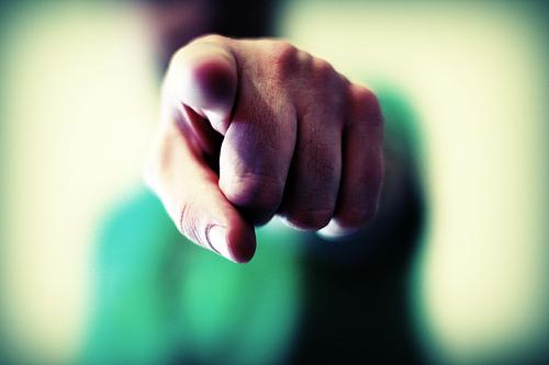 Incolpare sempre gli altri dei propri problemi è sinonimo di debolezza.