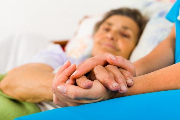 """""""Una lezione di vita"""", medico racconta su Facebook la forza di una malata terminale.Una storia da leggere"""