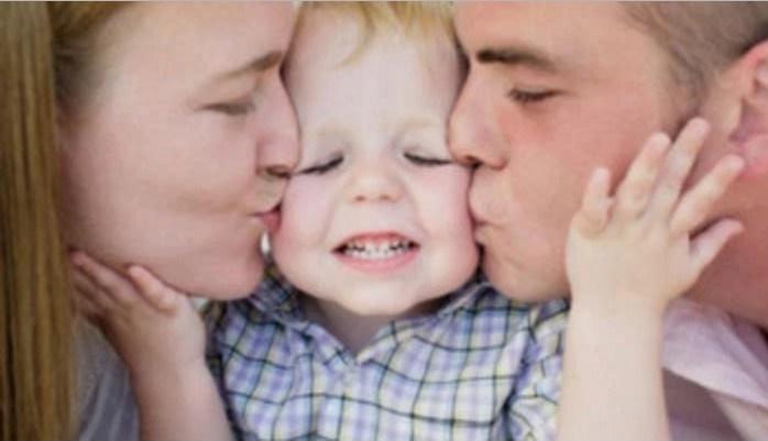 Oxford affonda l'omogenitorialità: il padre è indispensabile quanto la madre