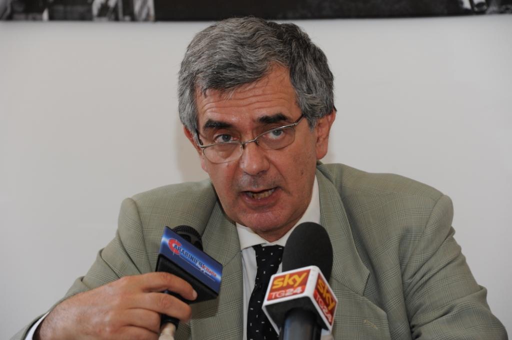 """Il grande messaggio dell ex magistrato Paolo Ferraro ai poteri forti:""""Non toccate i diritti"""" DA VEDERE! IL VIDEO"""