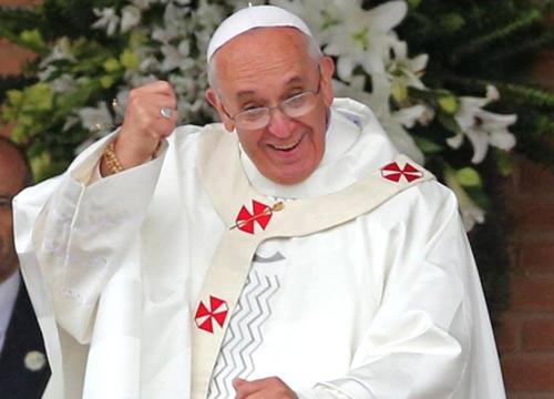 Sondaggio :per 8 giovani su 10 il loro eroe è Papa Francesco