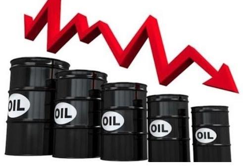 Il Petrolio scende a 55$al barile, e la benzina dovrebbe costare 90 centesimi al litro.Qualcosa non torna