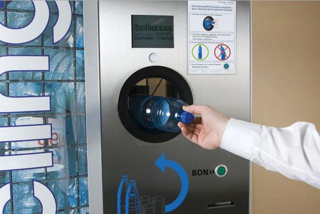 Reverse vending: Ti pagano se consegni i rifiuti.Ecco come