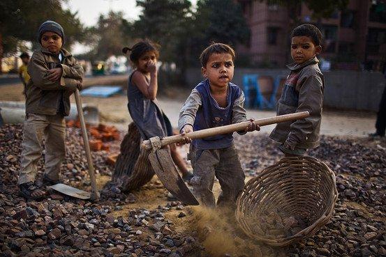 Smettere di sostenere la schiavitù minorile evitando queste 7 aziende