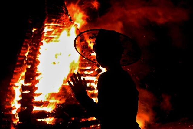 Halloween: Quando le streghe bruciavano sul rogo (altro che dolcetto o scherzetto)