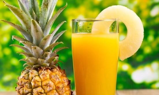 Lo sapevi che il succo d'ananas è più efficace degli sciroppi per la tosse?