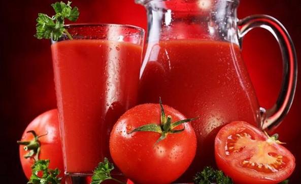 2 bicchieri al giorno di succo di pomodoro per prevenire l'osteoporosi.Lo afferma uno studio
