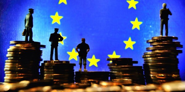 """L' UE che boicotta l'Italia.Ecco tutte le leggi anti-italiane di questa Europa che si """"diverte"""" a penalizzarci"""