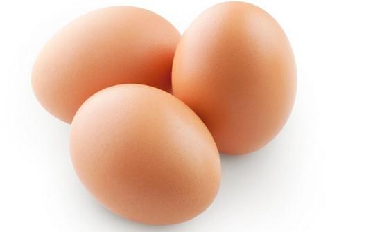 Come fare per capire se le uova acquistate sono davvero fresche? Ecco un trucco infallibile