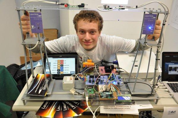 E' italiano il più giovane scienziato migliore d'Europa.Ha solo 16 anni e la sua invenzione rivoluzionerà il mondo