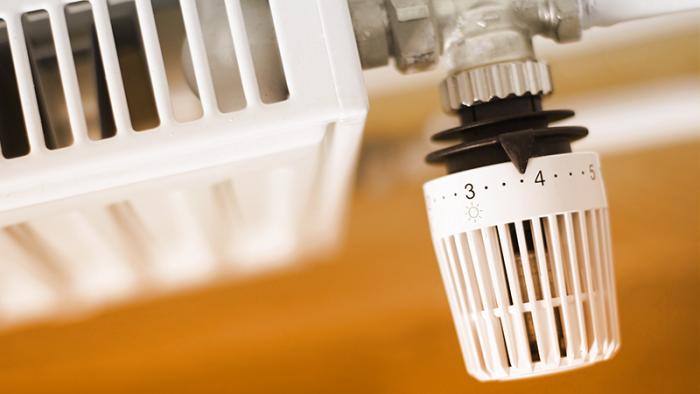 Multe salate per i condomini che non istalleranno le valvole termostatiche sui termosifoni entro il 31 dicembre
