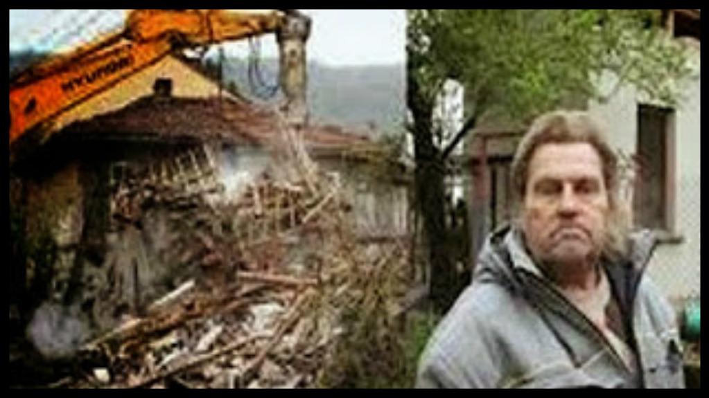 la banca gli pignora la casa lui la demolisce Bulgaria