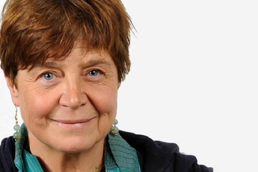 """Silvana De Mari: """"Sanremo ha lo scopo di abbattere il livello culturale e cognitivo"""""""