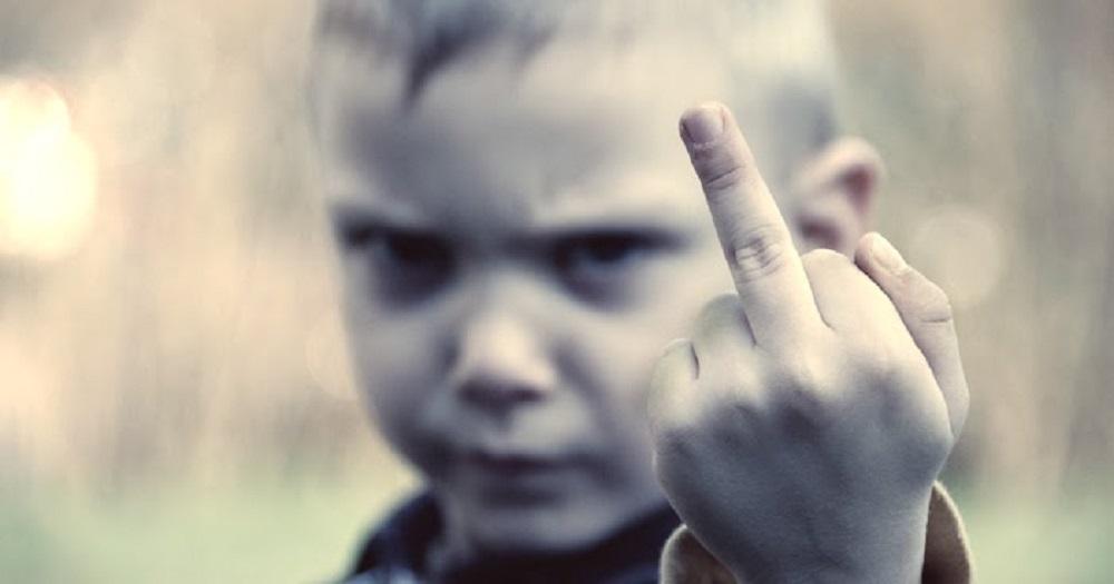 Caro genitore, se tuo figlio è maleducato è colpa tua!