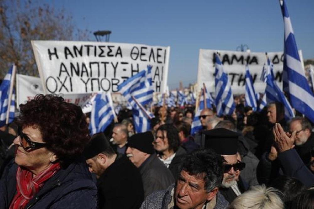 Grecia: la popolazione scende in piazza contro l'immigrazione incontrollata