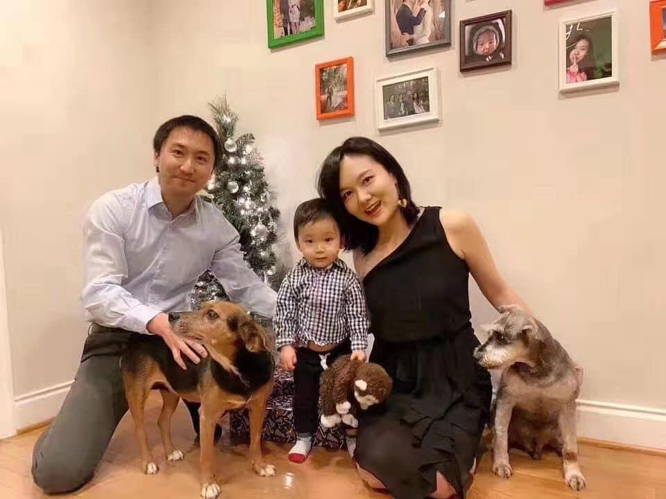 Li Wen Liang con la famiglia