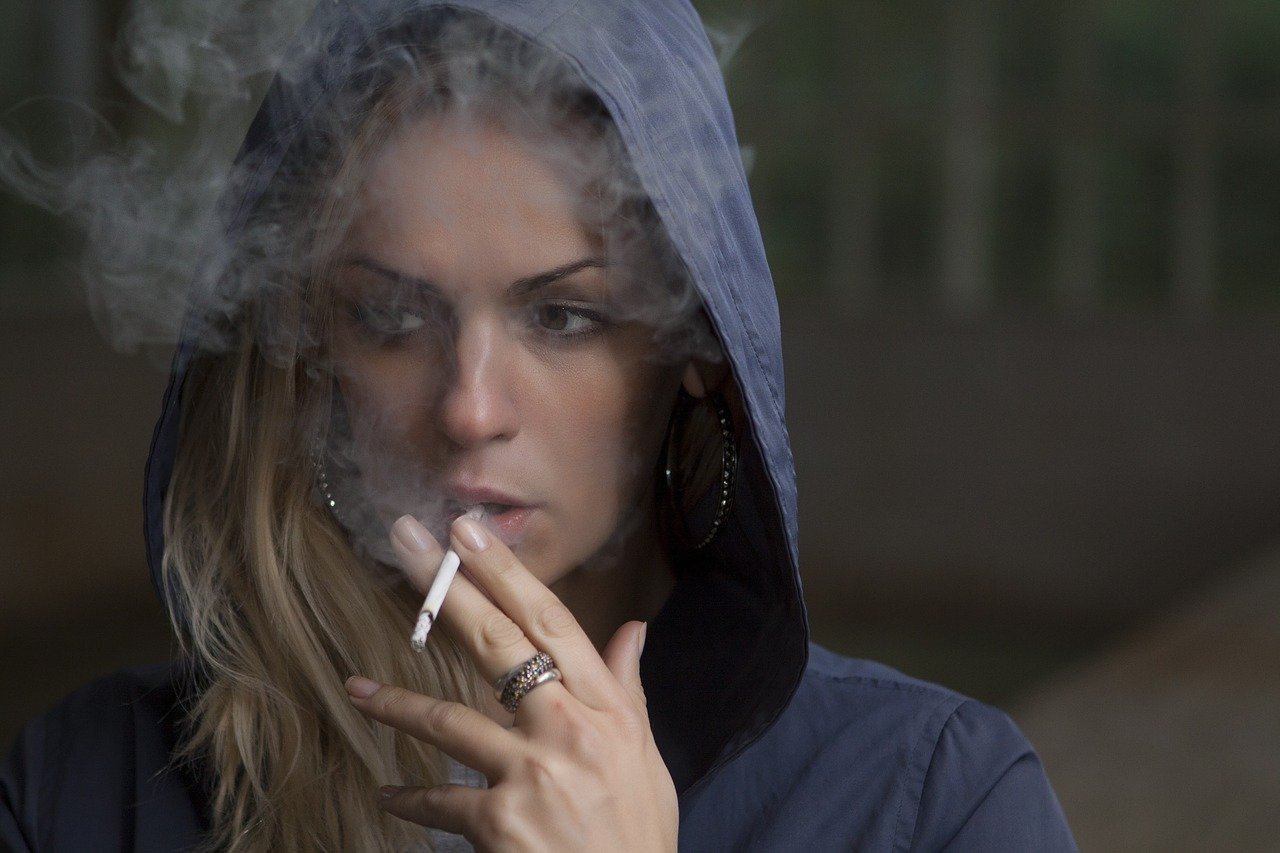 Per i fumatori: disinfettatevi le mani prima di fumare