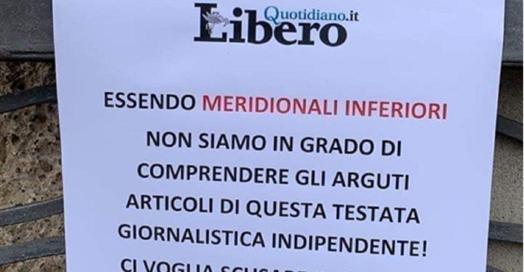 cartello di protesta edicole napoli vittorio feltri libero