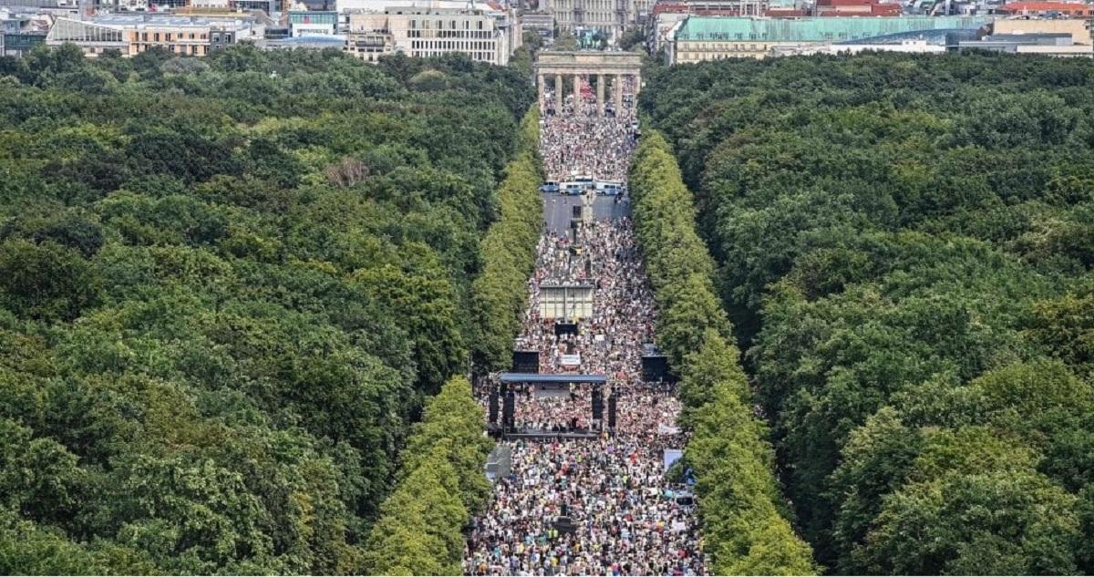 Germania protesta misure anti-covid