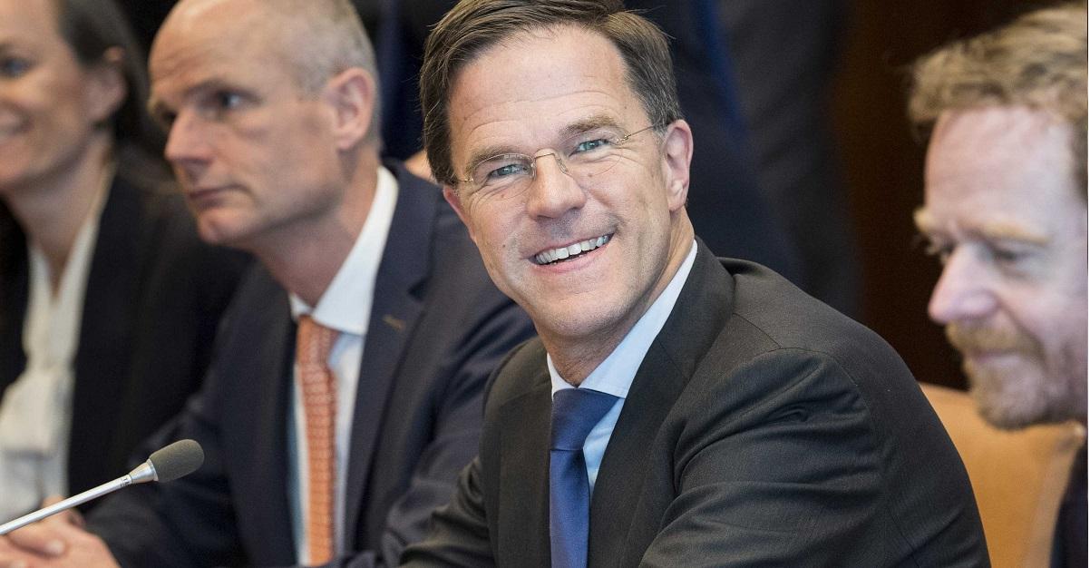 """Olanda dice no all'obbligo delle mascherine: """"nessuna evidenza che siano efficaci"""""""
