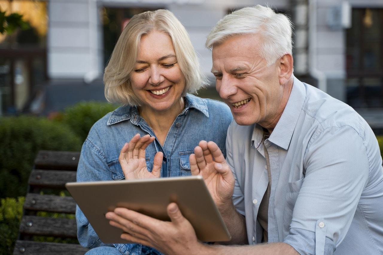 Anziani in pensione con 15 anni di contributi