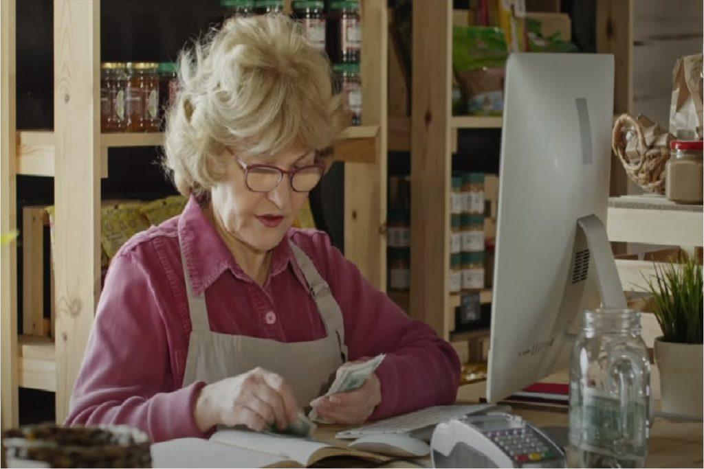 Donne in pensione a 56 anni